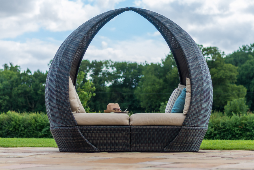 Tulip Daybed