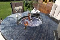 LA 4 Seat Round Dining Set With Ice Bucket